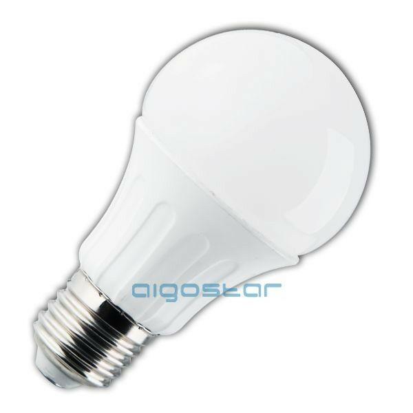 LED izzó gömb E27 8W 280° meleg fehér